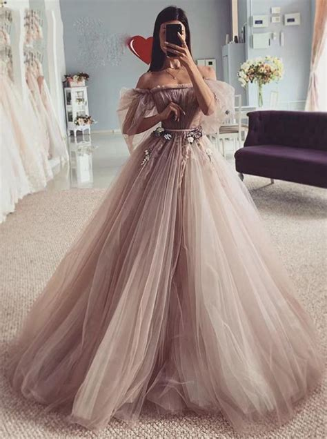 Fairy-tales Strapless Wedding Dresses 3D Flowers Puff