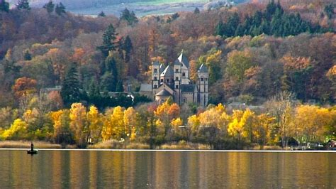 Laacher See in Herbststimmung (Relax-Video) - YouTube