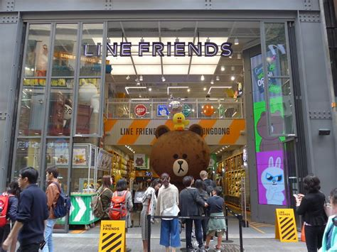 Line Friends Store   Shopping in Seoul